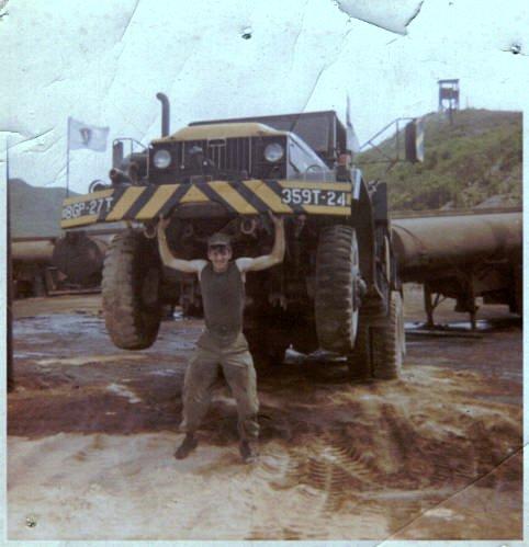 4002_1970_wrecker_operator