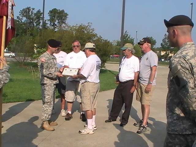 d010_cpt_mohler_presenting_plaque_to_bob_dye_from_the_company_to_us